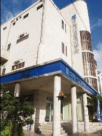 お客様の声-ご購入・採点-沖縄統合医療学院さま-学校入口